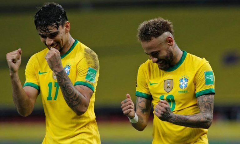 Brasil celebrando un gol