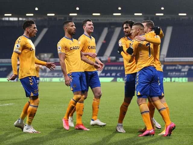 Everton VM celebrando en la cancha